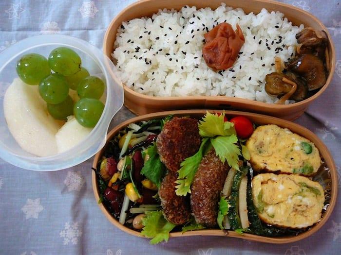 Bento box in una scuola giapponese