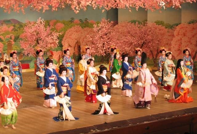 Spettacolo geisha in Giappone