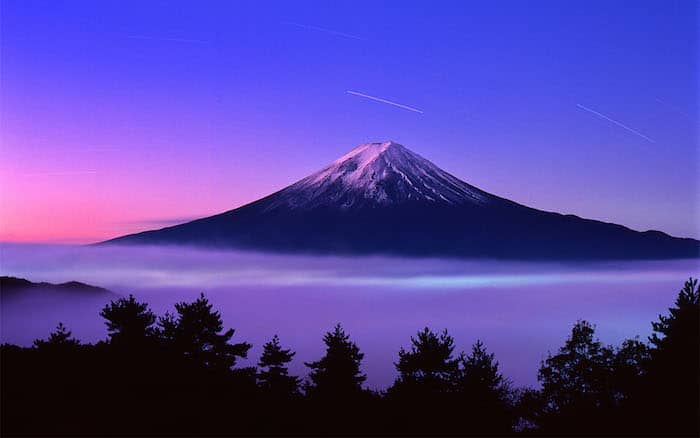 Scalare il monte Fuji a luglio