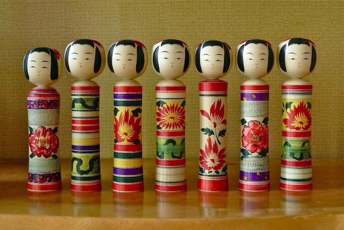 Bambole kokeshi tradizionali